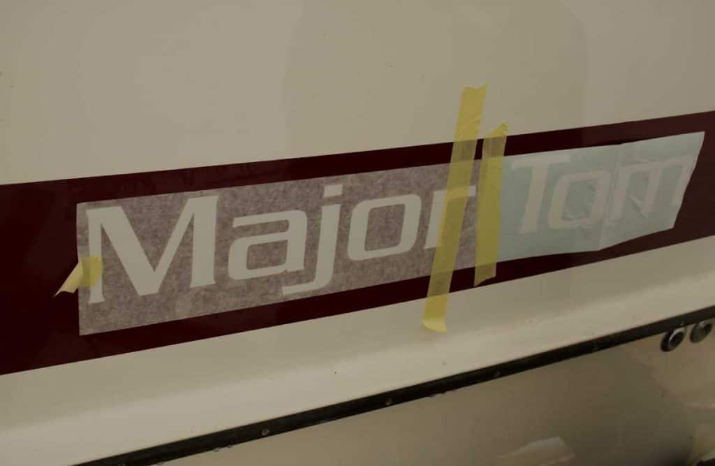 byta namn på båt major tom