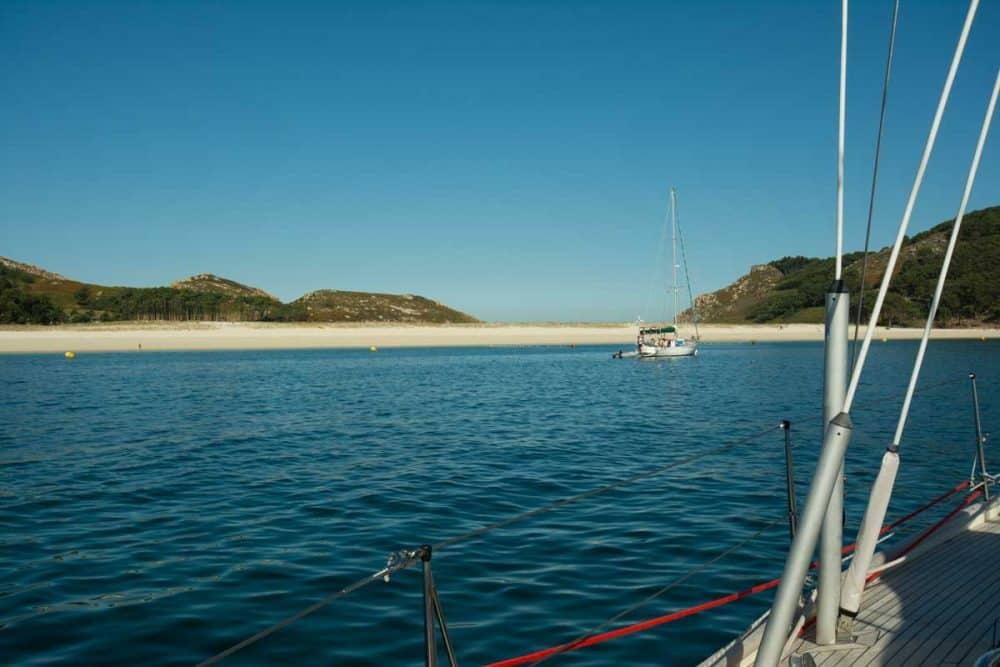 båt ankrar islas cies