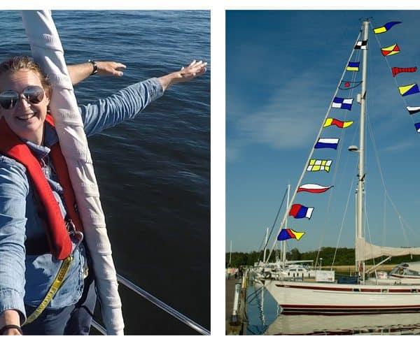 båt med flagga